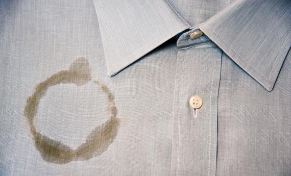 Eliminare macchie camicia